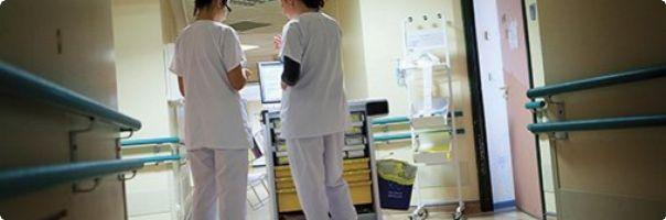 Determinanty ovlivňující psychickou a fyzickou zátěž všeobecných sester  na ortopedické klinice