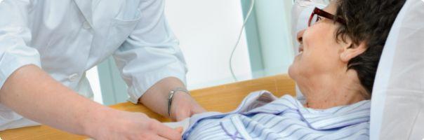 Nemocnicím pomáhají desítky budoucích sester z ústecké univerzity