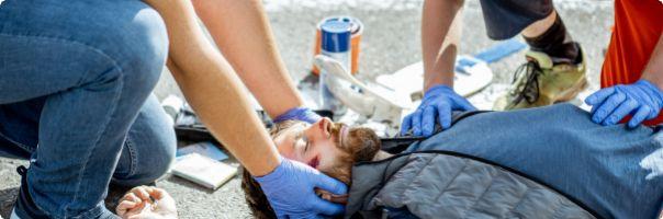 Poranění zdravotnických záchranářů o ostrý předmět v klinické praxi